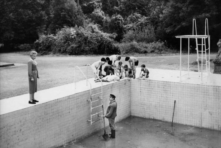 diabolique+draining+the+pool